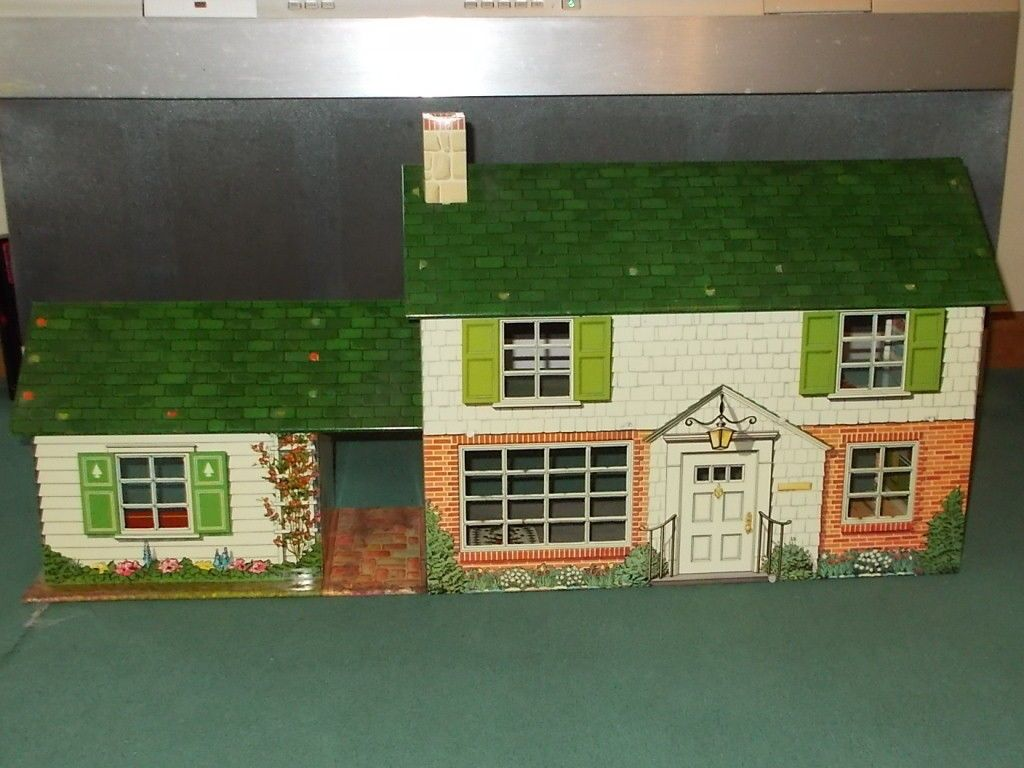 Vtg Marx Tin Litho 2 Story Suburban Colonial Doll House w Breezeway Game Room - I remember the breezeway