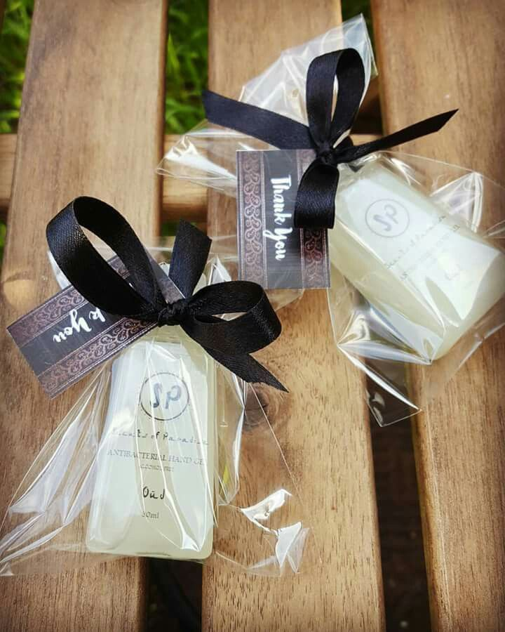 These make just the perfect gifts for teachers, neighbours or even dinnerparty guests.Oudh antibabac. hand gel
