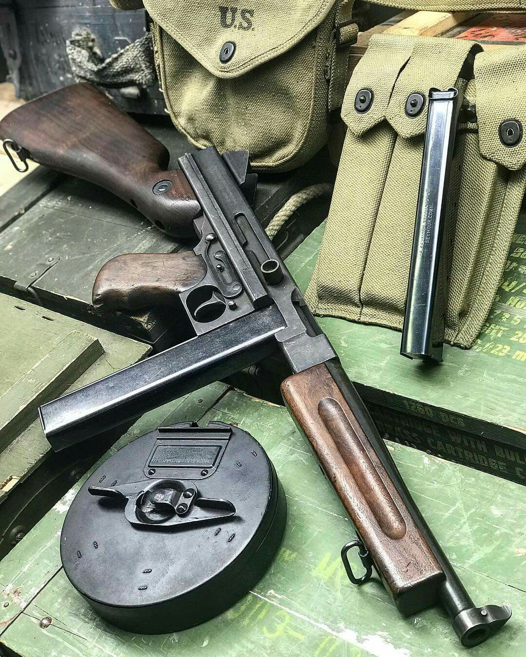 Colt-Thompson M1a1 Submachine Gun,  45 ACP  The WWII Model of the