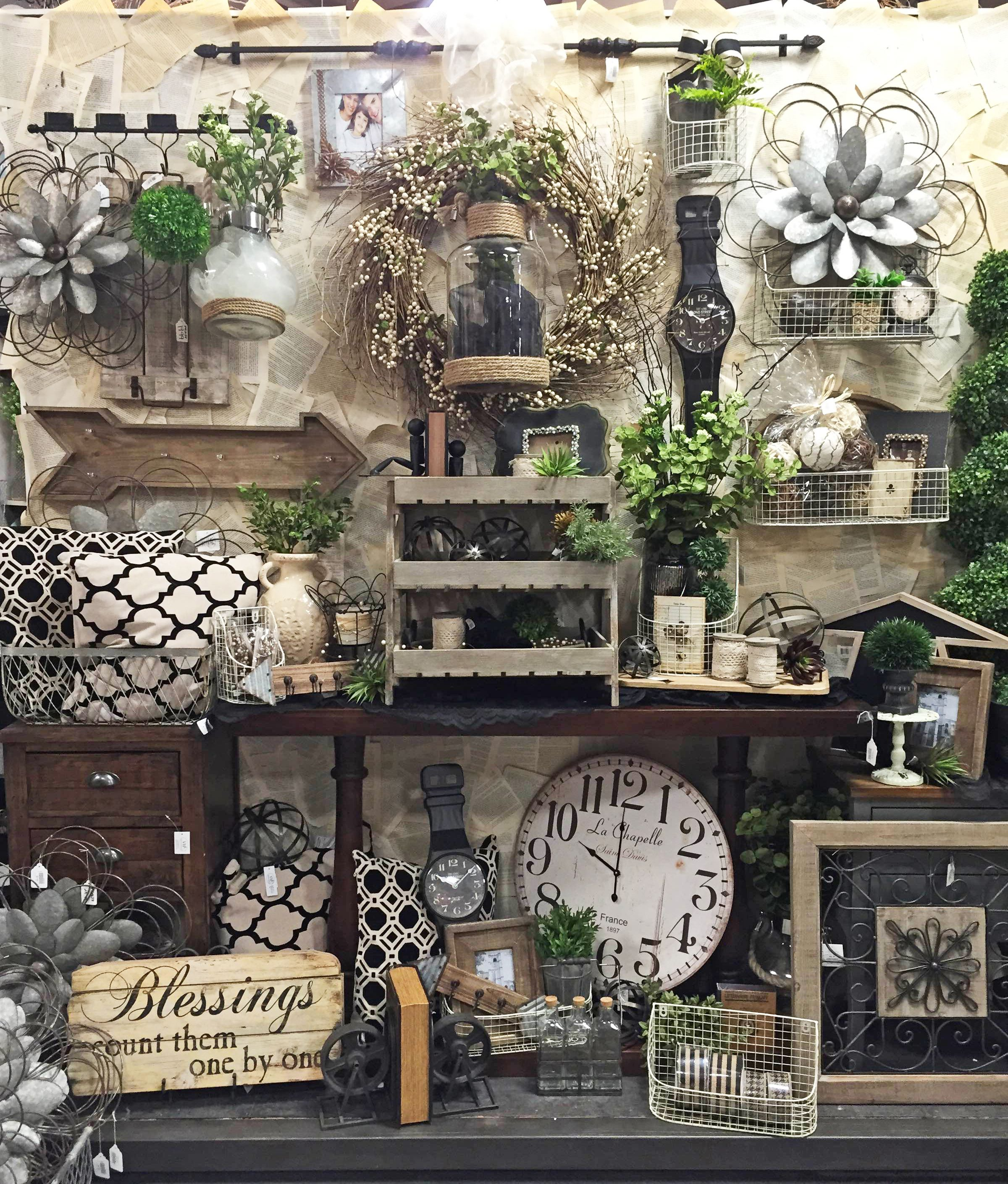 Vignettes And Displays