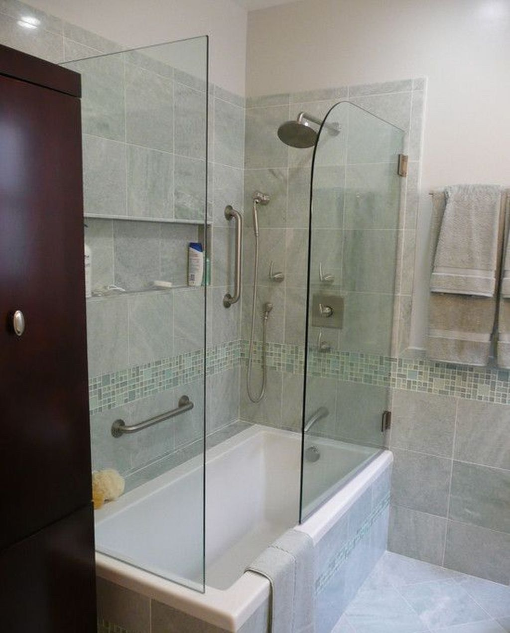 Stunning Small Bathroom Tub Shower Combo Remodeling 41 Bathroom Tub Shower Combo Shower Tub Combination Bathtub Shower Combo