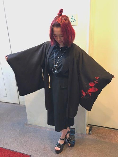 今日はおしとやかに#和服です! #羽織の柄がとてもお気に入りさん。 赤髪によく合ってて大好き♡ 基本