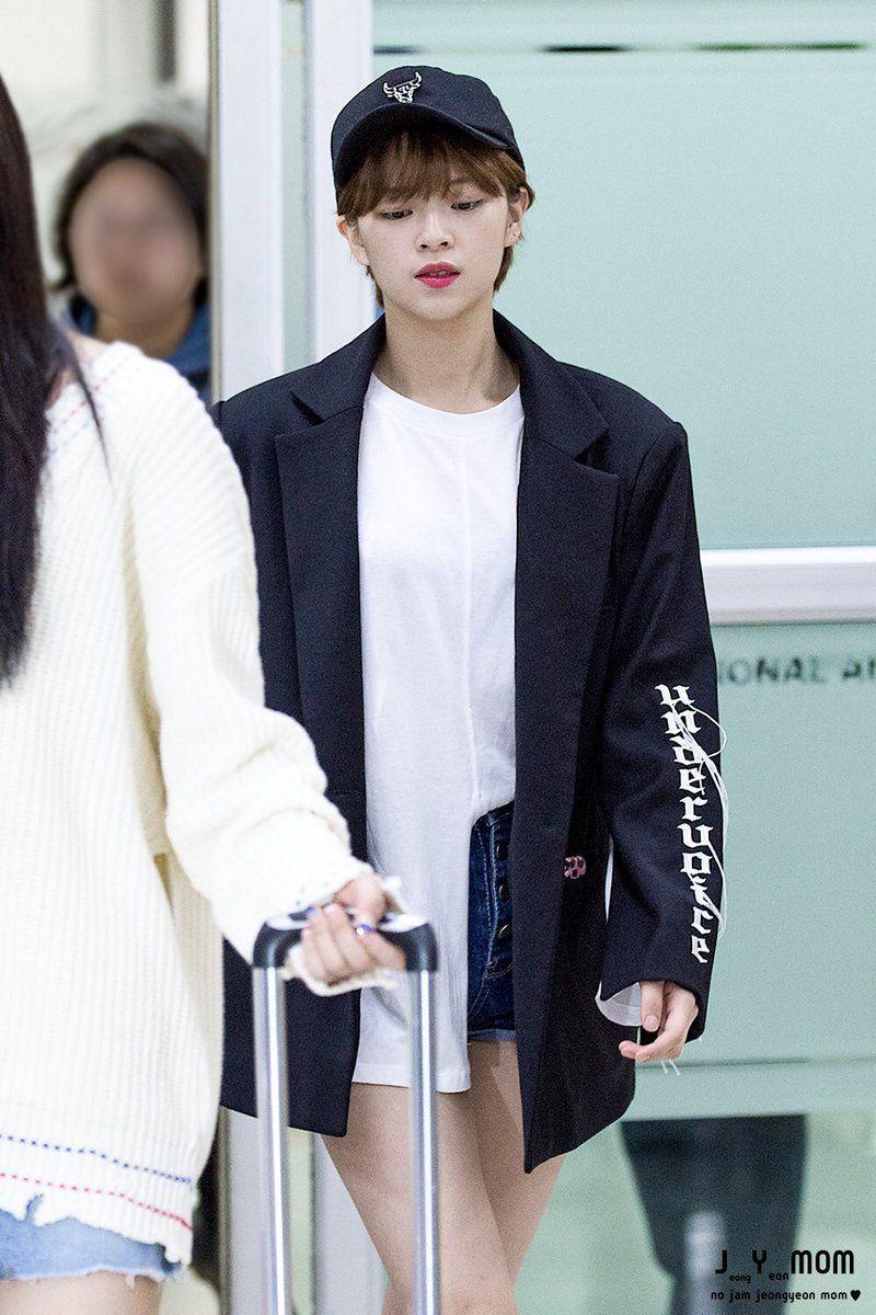 Jeongyeon Twice Fashion Korean Fashion Airport Style