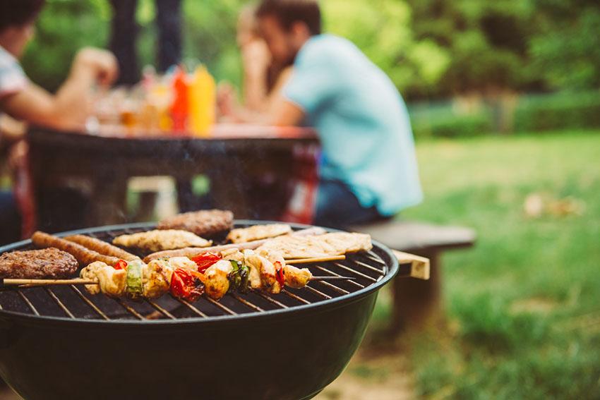 Le Barbecue Pour Des Moments Conviviaux En Ete Comme En Hiver