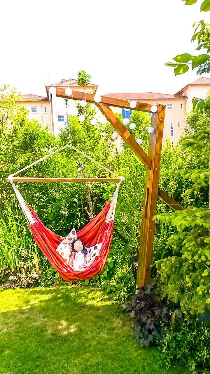 diy hängestuhl gestell aus dem holz einer alten schaukel. gebaut wie