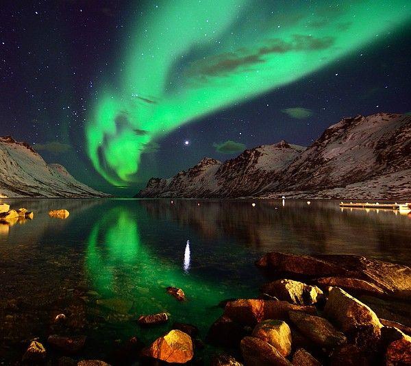 Planet Venus n Northern Lights reflections on sea in Ersfjordbotn_ Norway