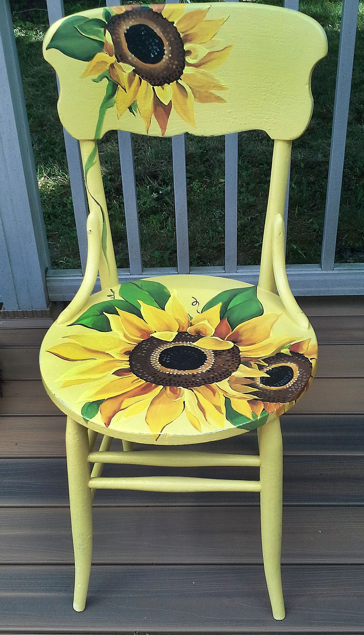 Hand Painted And Distressed Sunflower Chair   The Link Does NOT Go To  Original Site Of This Chair But It Is A Great Refurbish Chair Idea,