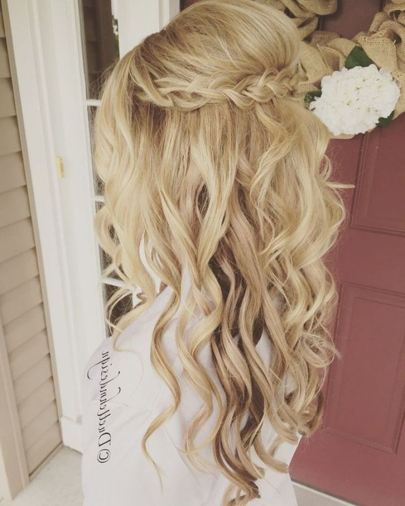 Wwv Hairstylestrends Me Hair Styles Wedding Hair Down Curly Wedding Hair
