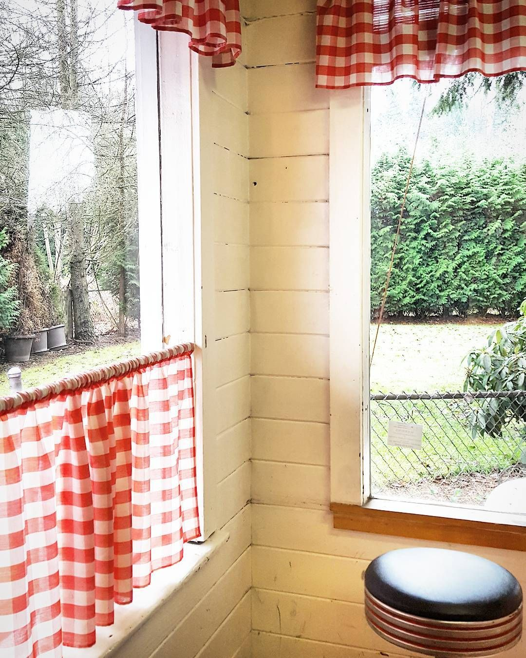 Red gingham curtains -  American Diner Authentic Red Gingham Curtains Cafe