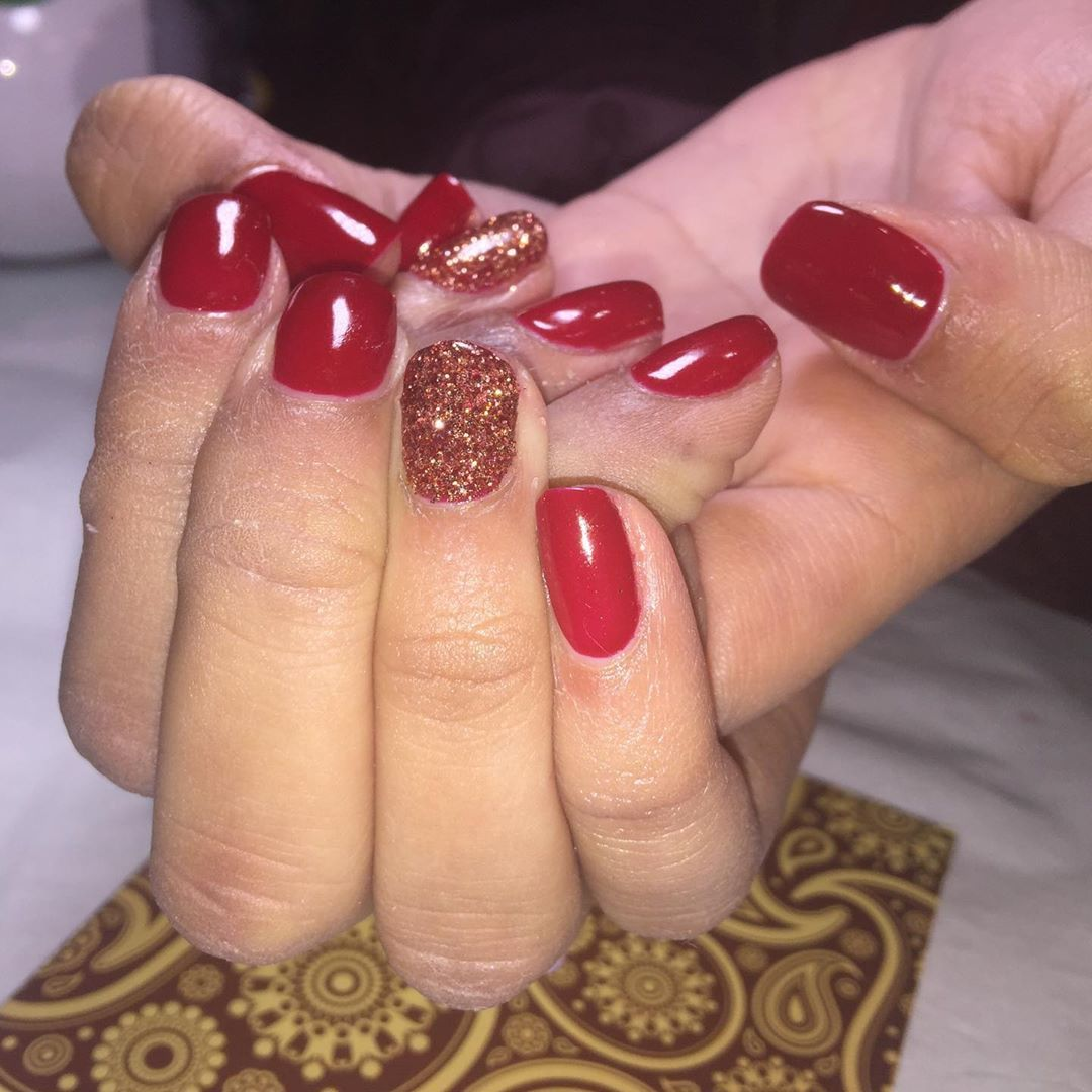 All natural.  With the @the_gelbottle_inc nails  No tips, No extensions!  Healthy strong nails forever.  #Throwbacktobeforecovid19 #cantwaitnow #takemeback #nails #nailsofinstagram #rednailsdontcare #prestonnails #tgbnails #thegelbottleinc #biab