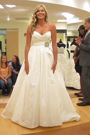 Amsale Melina Say Yes To The Dress Dreamy Wedding Dress Wedding Dress Pictures Dream Wedding Dresses