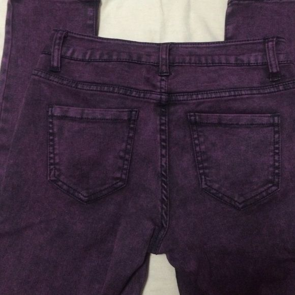 ⚠️ CLEARANCE ⚠️ Delia's wine acid wash jeggings. Maroon/wine acid wash stretchy jeggings from Delia's.  Worn only a couple times. Delia's Pants