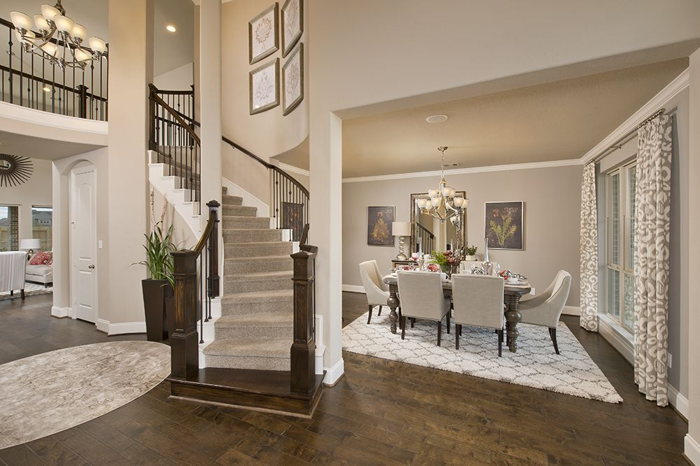 Model home foyer pictures