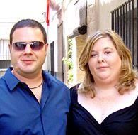 Mayte y Oliver  Son pareja desde el 26 de julio del 2010  Vino a visitarme a mi pueblo y cuando nos vimos nos fundimos en un dulce abrazo. Nuestras almas se acababan de encontrar, ambos supimos al instante que eramos la persona que siempre habíamos buscado.