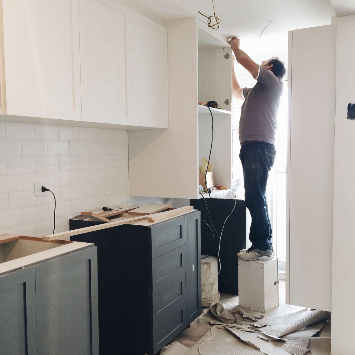 Instalando os móveis da cozinha