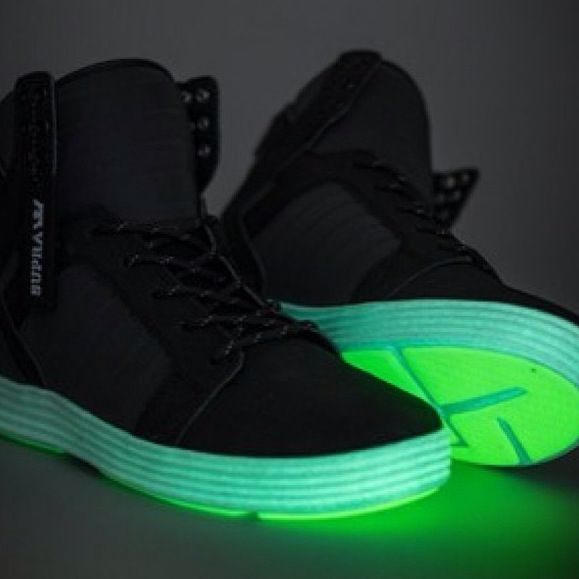 new product 67397 96392 Glow in the dark shoes !