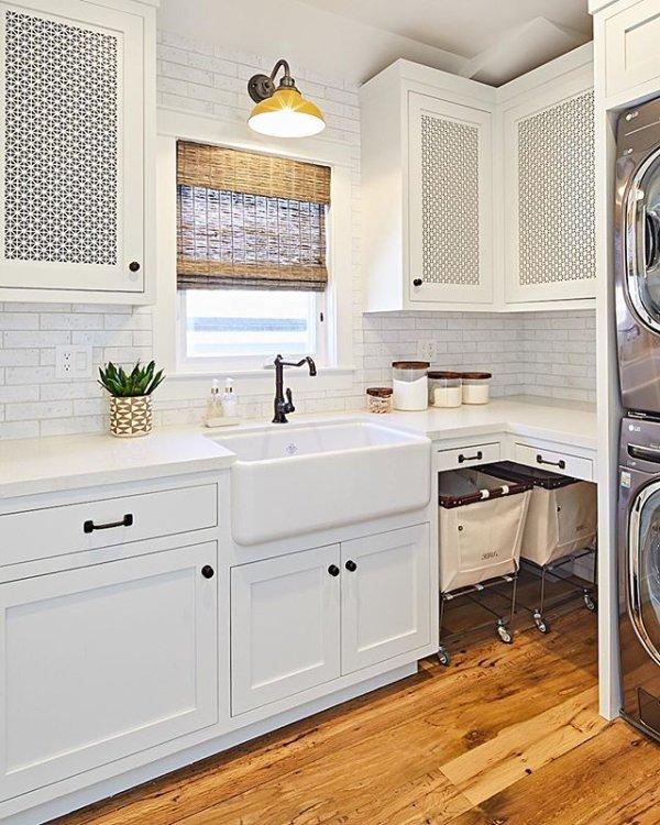 Pin By Jodie Raine Willis On Bathroom In 2020 Cottage Kitchen Design Kitchen Design Laundry Room Decor