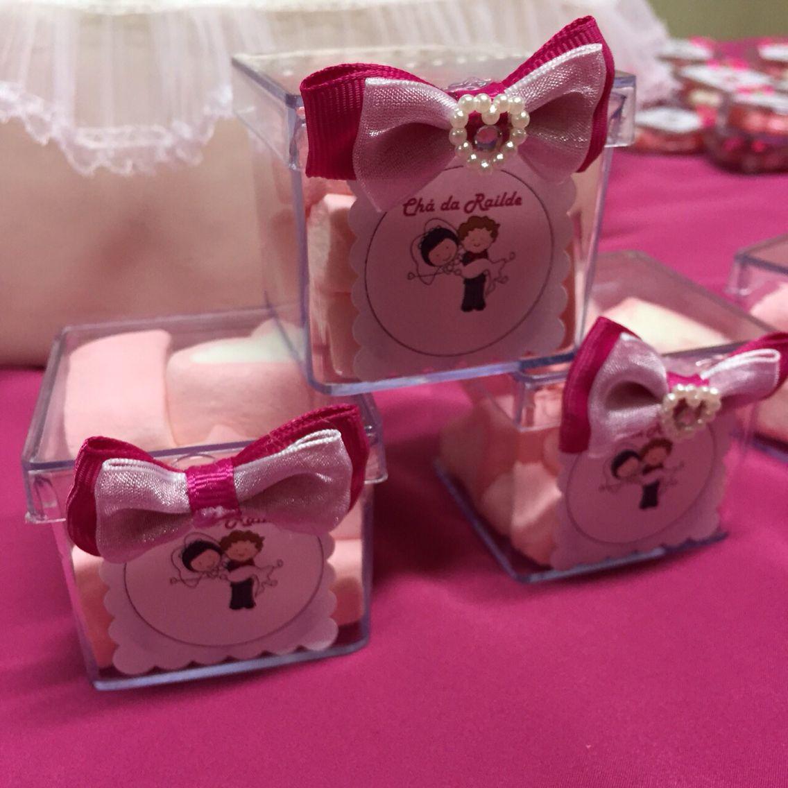 Caixinhas com marshmallow adesivadas. Mini boxes.
