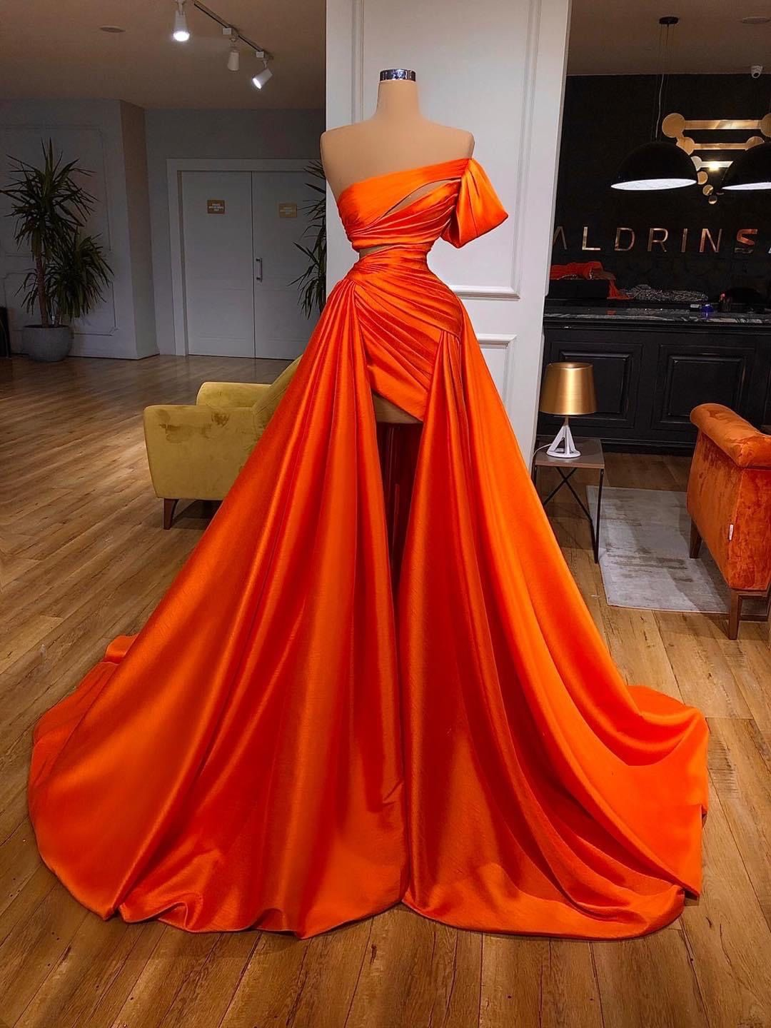 Pin by lilly ☁️✨ on Orange in 11  Fashion dresses, Gowns