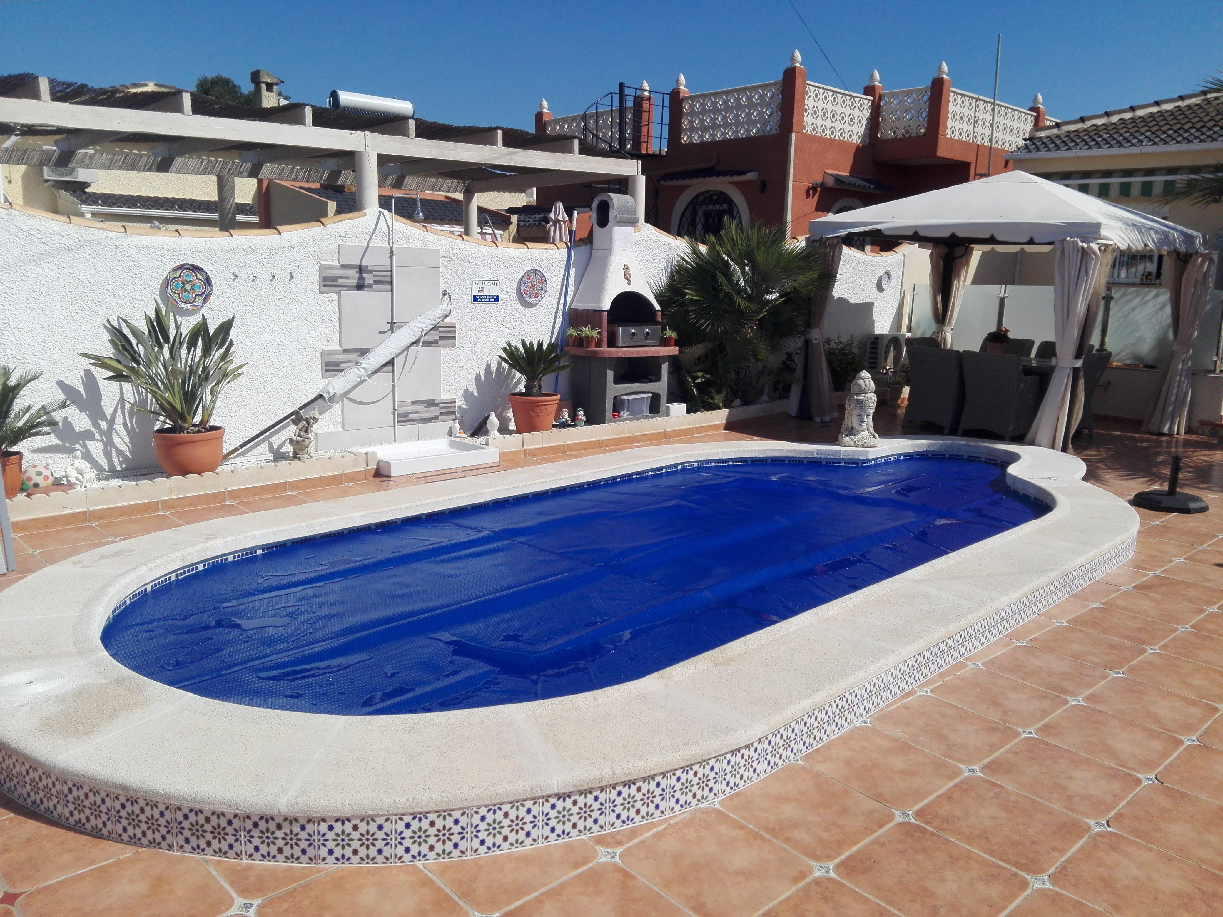 Lona de burbujas a precios muy economicos en formatos en diferentes medidas para calentar - Lonas para piscinas a medida ...