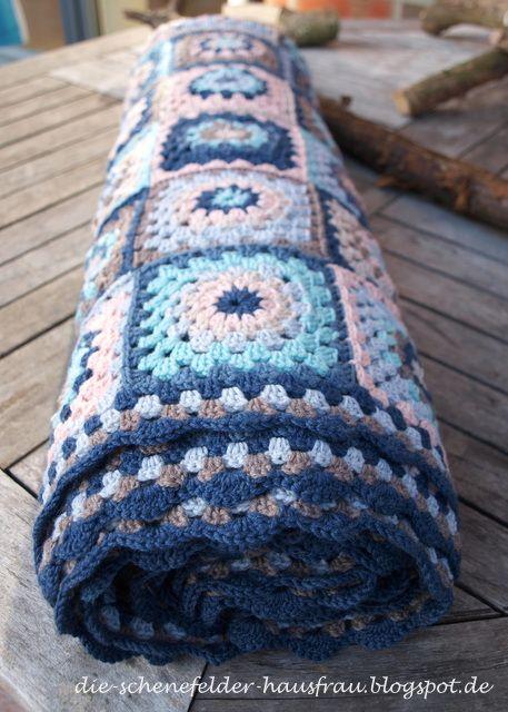 Die Schenefelder Hausfrau: Granny Square Decke: Fertig!! … | Häkeln ...
