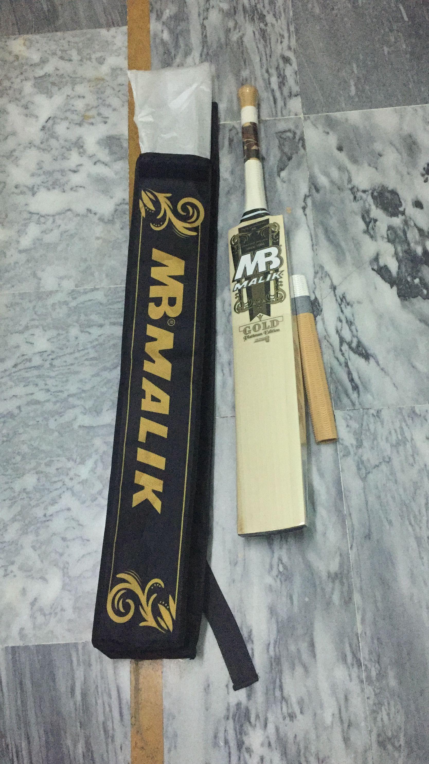 Mb Malik Gold Platinum Edition Cricket Bat Cricket Bat Gold Platinum Pakistan Cricket Team