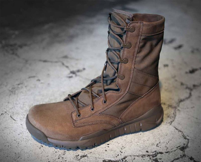 coyote oakley boots 56vf  Nike SFB