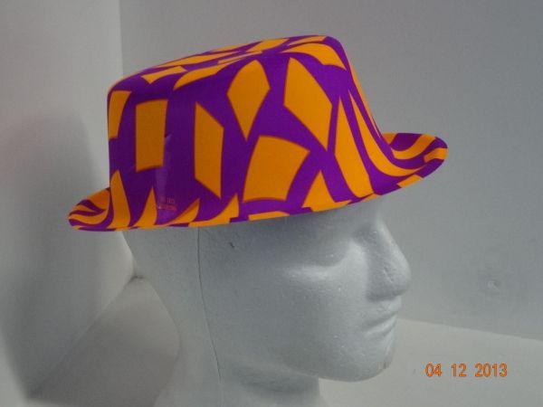 Sombrero copa colores neón estampado de rombos.  FiestasTematicasMedellin   DecoracionFiestasMedellin  PinateriasMedellin Sombreros 6a8bb5869f3