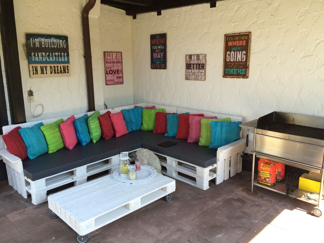 garden lounge made of pallets garten lounge aus palettenm bel palettenm bel pinterest. Black Bedroom Furniture Sets. Home Design Ideas
