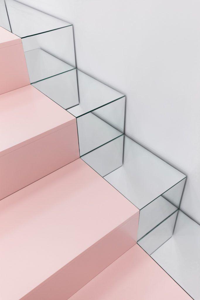 retail blushhh a minimalist secret shop escaliers materiaux et marche escalier. Black Bedroom Furniture Sets. Home Design Ideas