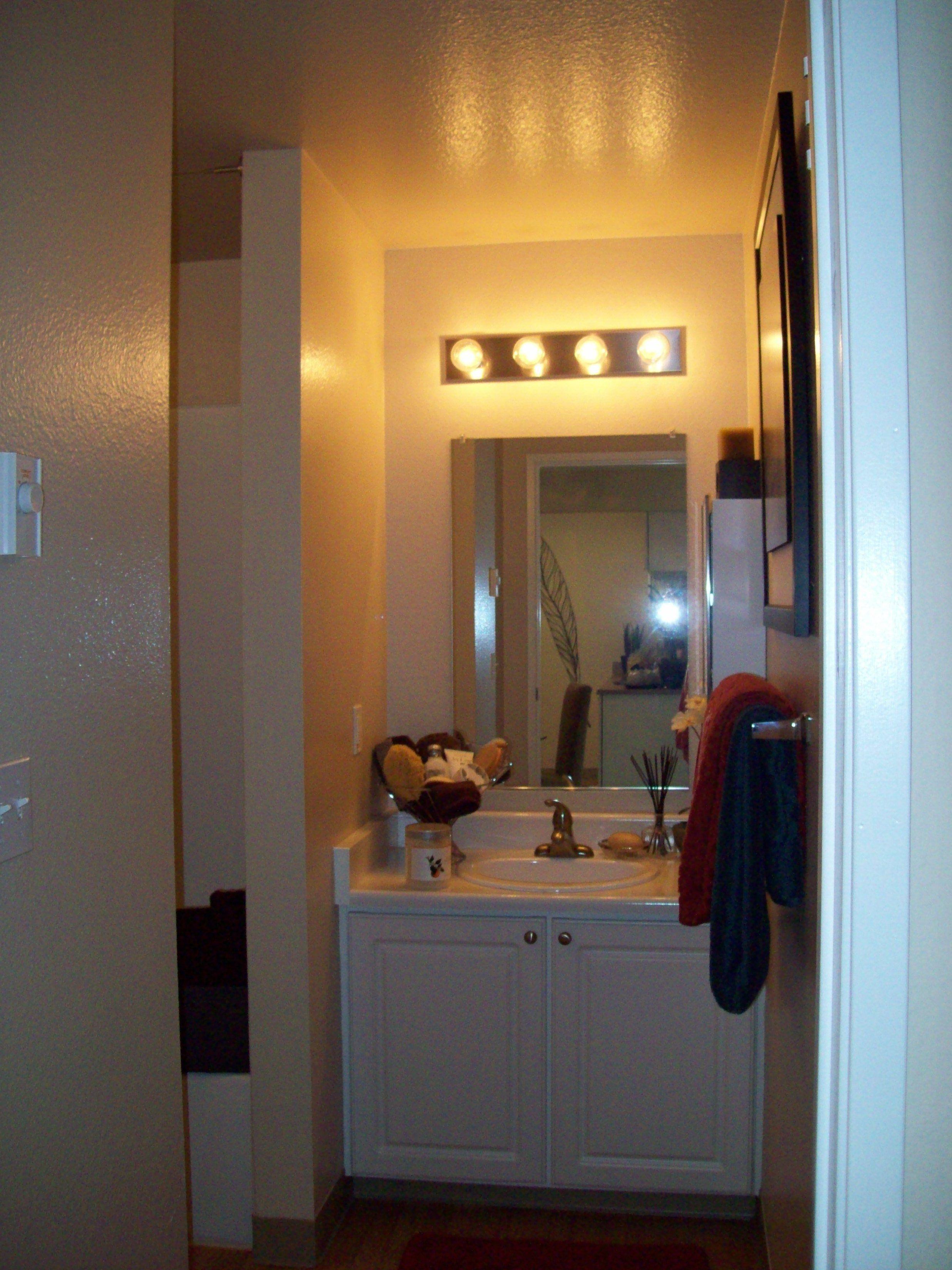 Cascade Onebedroom, One Bath 644 sq. feet Bathroom