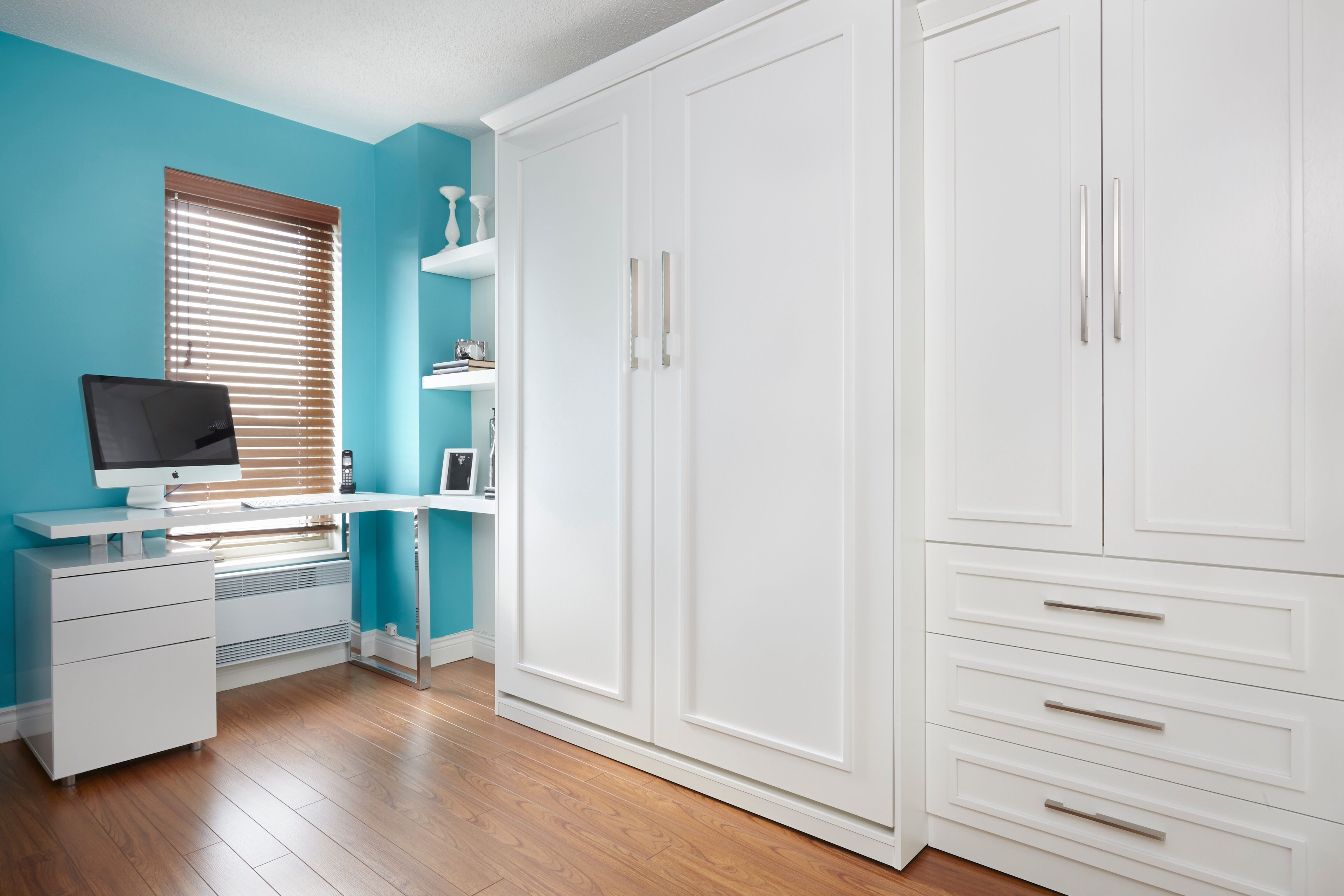 Lit Mural En Bois Lacque Blanc Integre Avec Un Bureau De Chez Structube Guest Room Office Tall Cabinet Storage Home