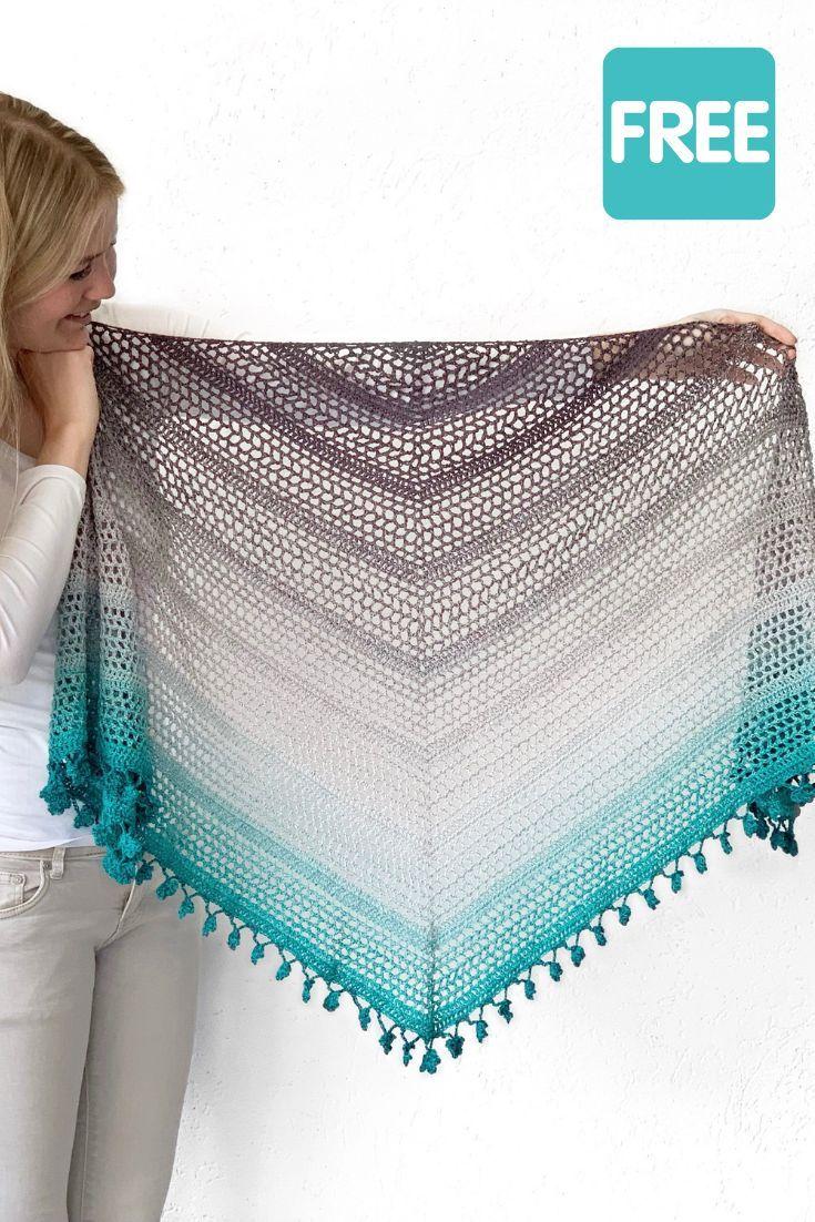 Crochet shamrock shawl: free crochet triangle shawl pattern