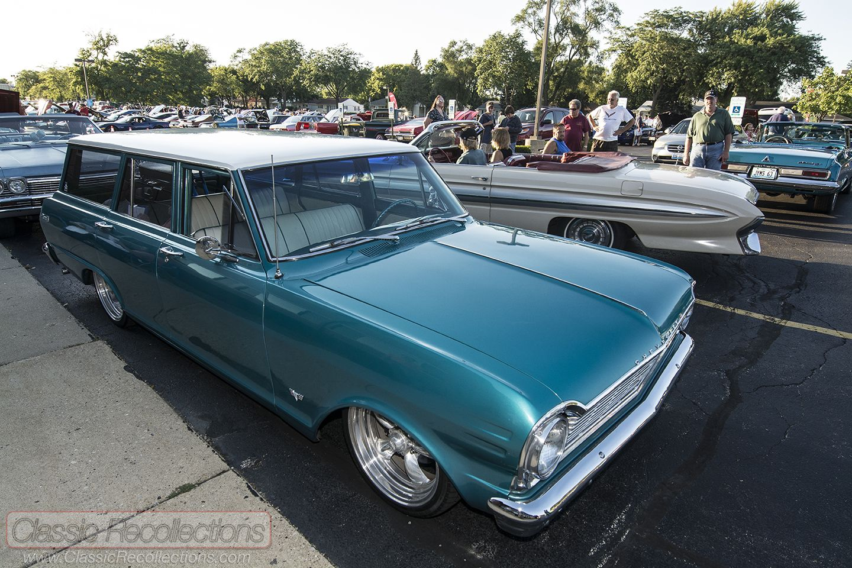 Cruising 1965 Chevrolet Chevy Ii Nova Wagon Chevy Nova Wagon