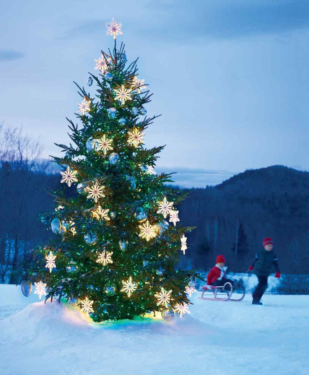 How To String Lights On A Christmas Tree Outdoor Christmas Tree With Snowflakes Glass Balls And String
