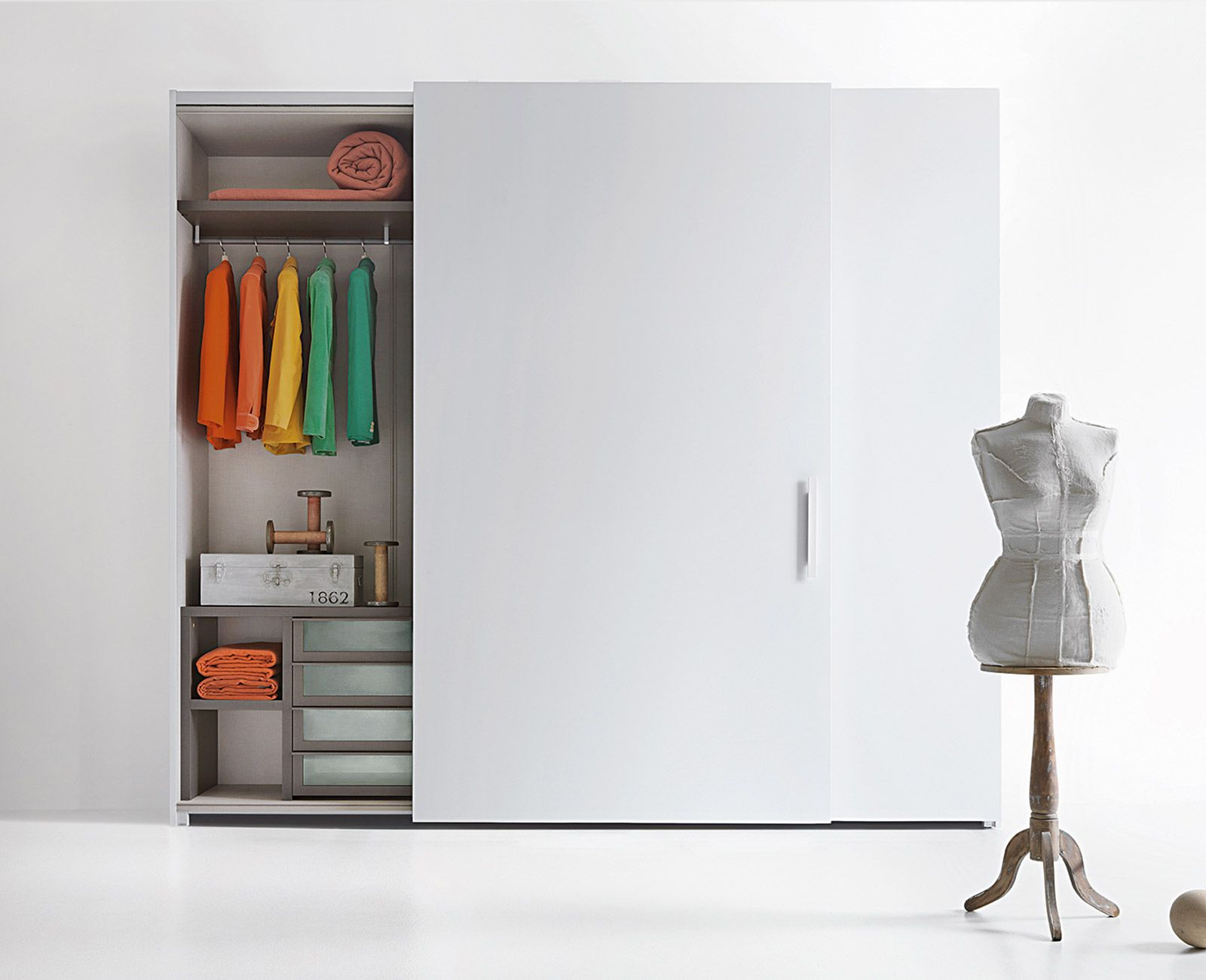 Meuble Tv Forza - Wardrobe Sliding Doors Lema Forza Storage Pinterest [mjhdah]https://s-media-cache-ak0.pinimg.com/originals/c1/81/93/c181934bb897a6782745a235b025cc1e.jpg