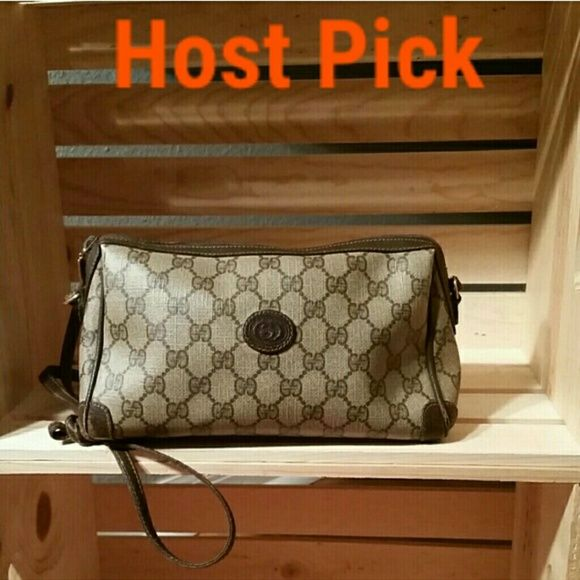 90889f03066e Vintage Gucci Signature Crossbody Authentic Vintage Gucci monogram  crossbody hand bag. Excellent condition for a vintage bag. Bag obviously  shows wear but ...
