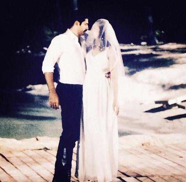 Fahriye Evcen Burak Ozcivit Ask Sana Benzer Turkish Film Turkish Actors The Best Films