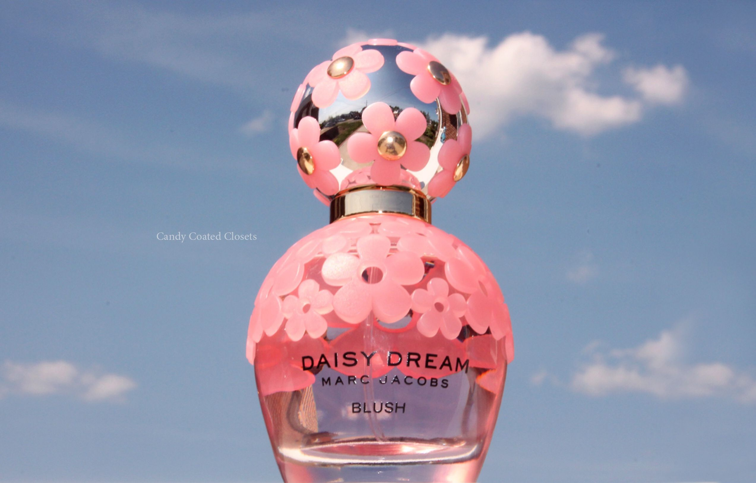 The Sweet Sparkle of Marc Jacobs Daisy Dream Blush