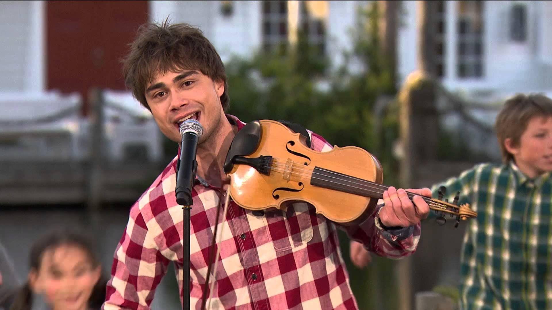 Alexander Rybak Blant Fjell From Sommer I Dyreparken Tv2