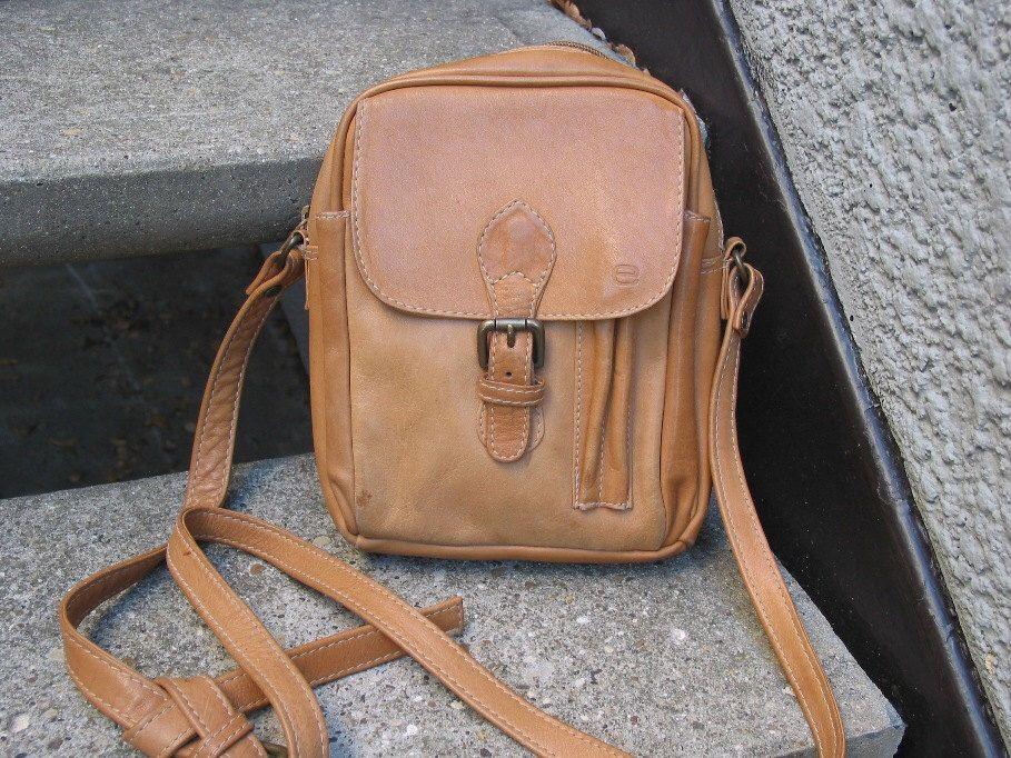 Vintage Ellington Brown Leather Cross B