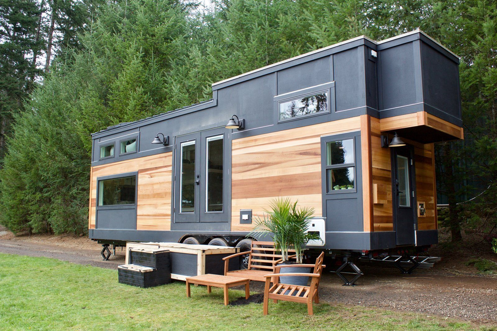 20 Unique Multi Storey Tiny House Designs For Your Awesome House Tiny House Exterior Tiny Mobile House Tiny House Nation