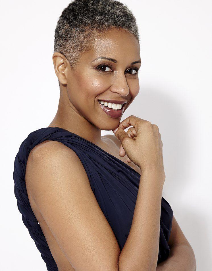 Roxanne Hancock Lifestyle Women Bella Agency New York Gray Hair Beauty Natural Gray Hair Natural Hair Styles
