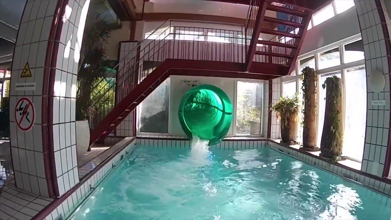 Schwimmbad und Wasserrutsche CenterParcs Parc Sandur