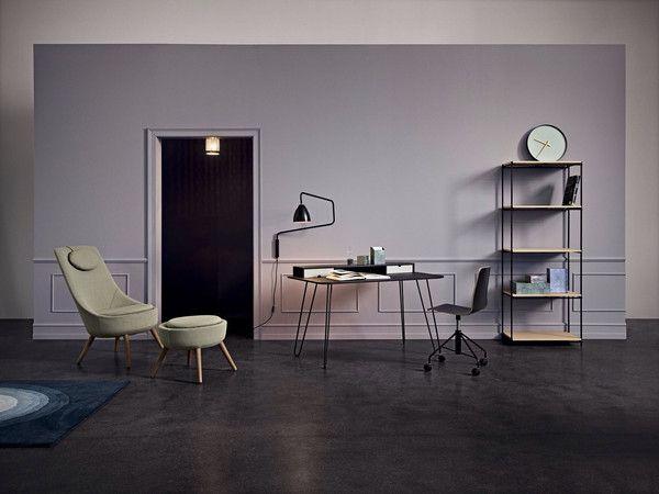 Bureau de la marque danoise bolia le bois clair les couleurs douces