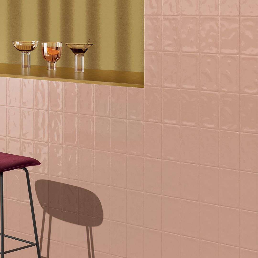 Materia, its surface and its colors make the walls dynamic
