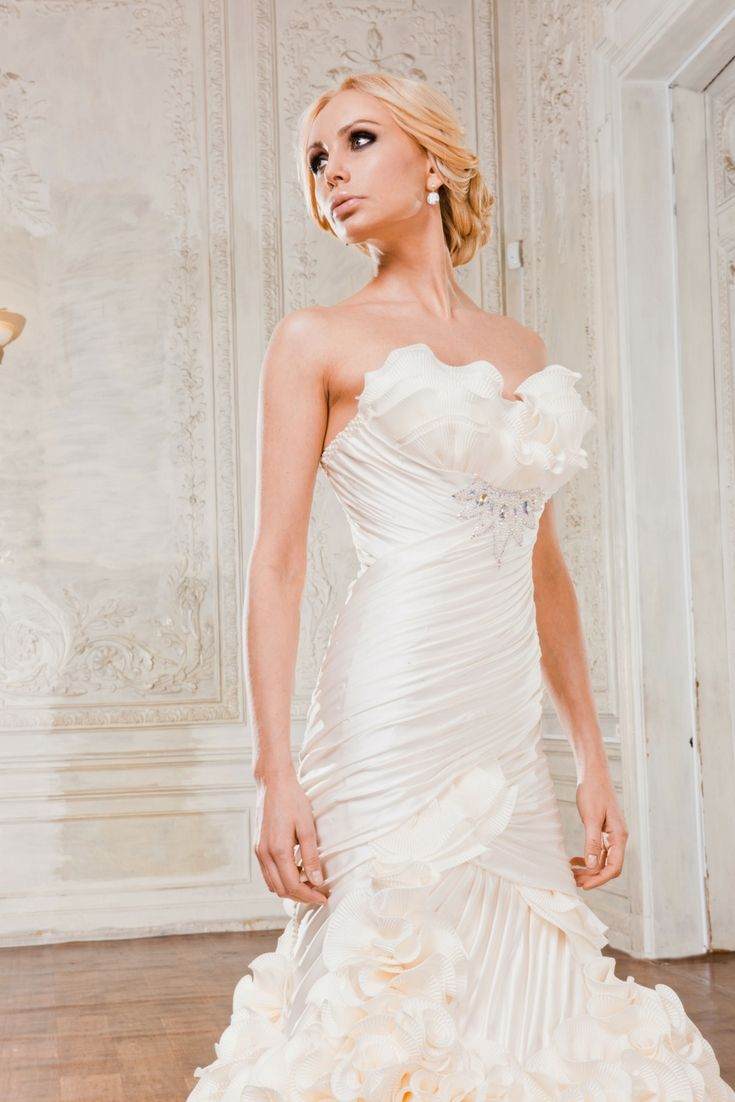 Stunning wedding dress collections for your favorite inspirations