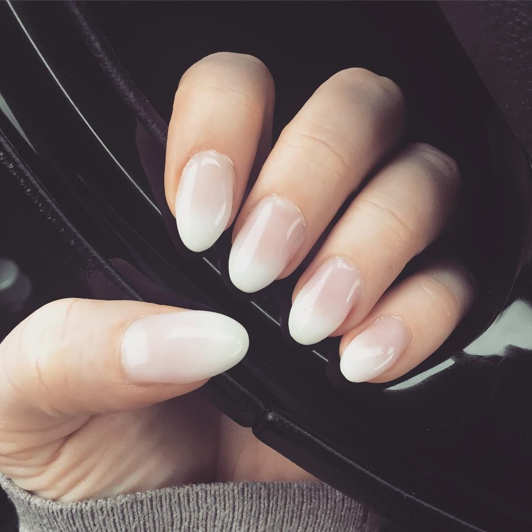 """PinkPanther322 on Instagram: """"�� Diesmal sind sie mandelförmig geworden �� �� #gelnägel #gelnails #gelnägelselbstgemacht #diy #fingernägel #naturnägel…"""""""