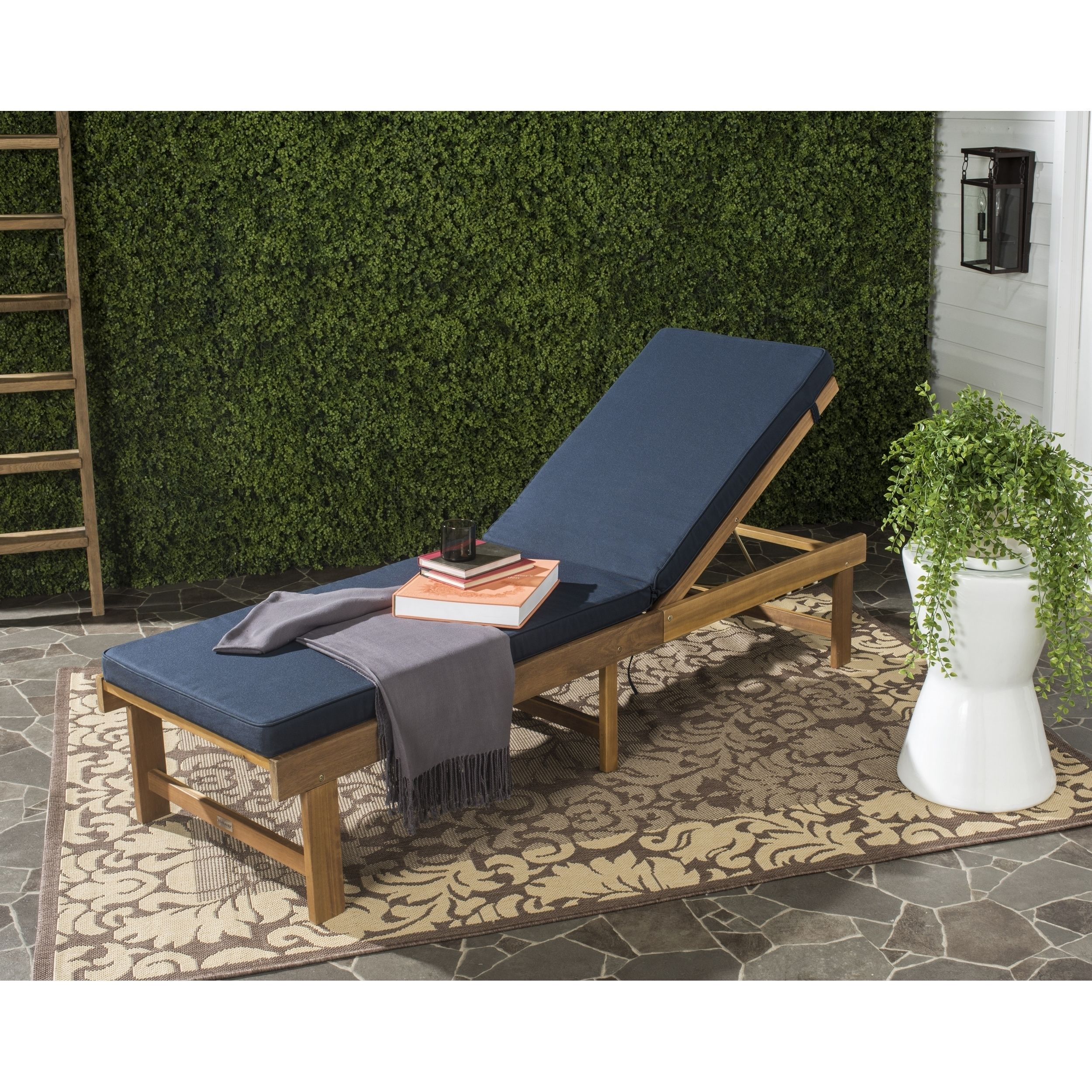 safavieh outdoor living inglewood brown navy chaise lounge chair rh pinterest fr