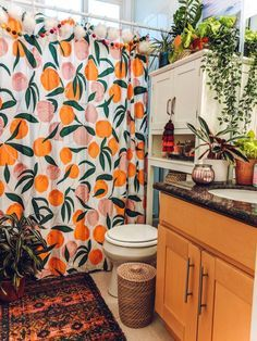 Photo of This Boho Apartment Shows How to Add Loads of Color to a Standard Rental